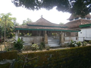 Makam Dewi Sekardadu di Lamongan